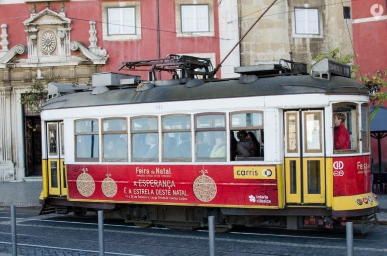 Die historische Tram in Lissabon