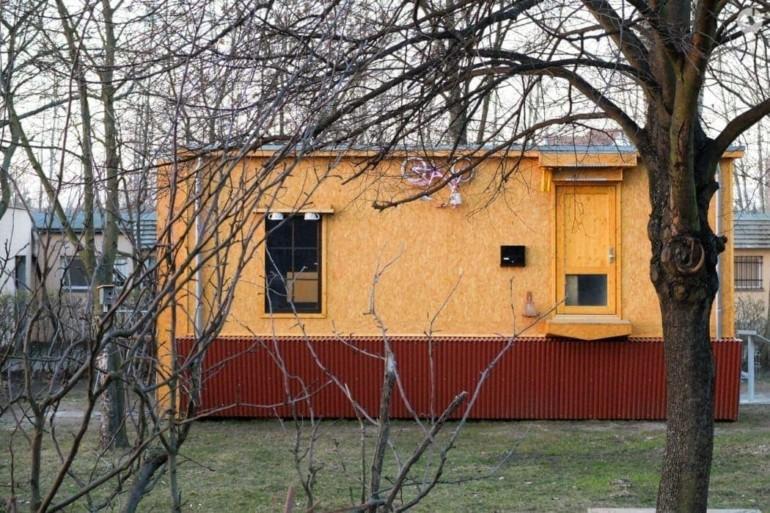 Haus auf dem Kopf in Lichtenberg