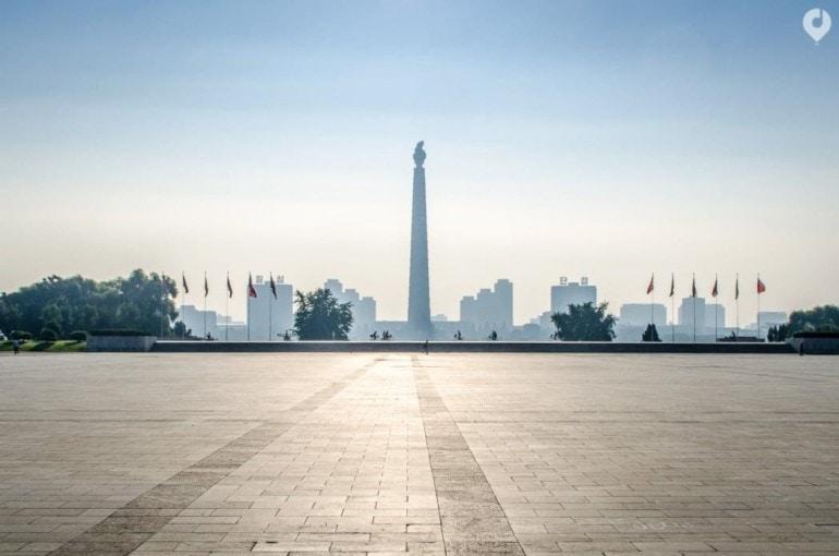 Blick auf den Juche Tower in Pjöngjang, Nordkorea