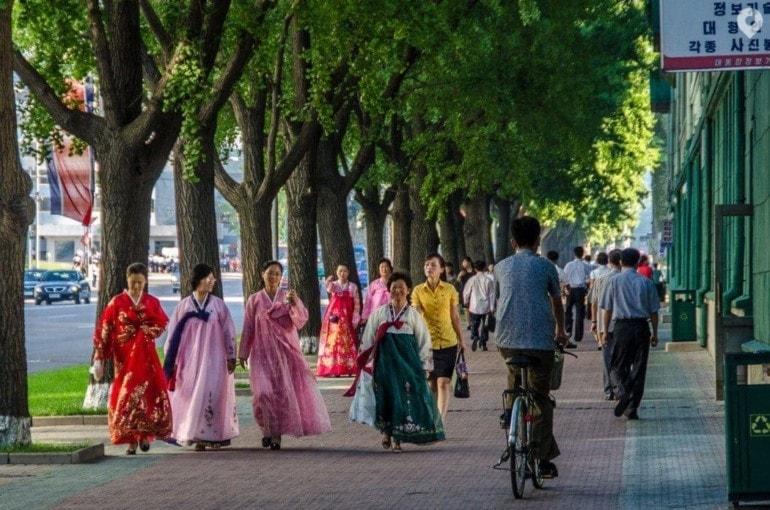 Auf der Straße in Pjöngjang. Nordkorea