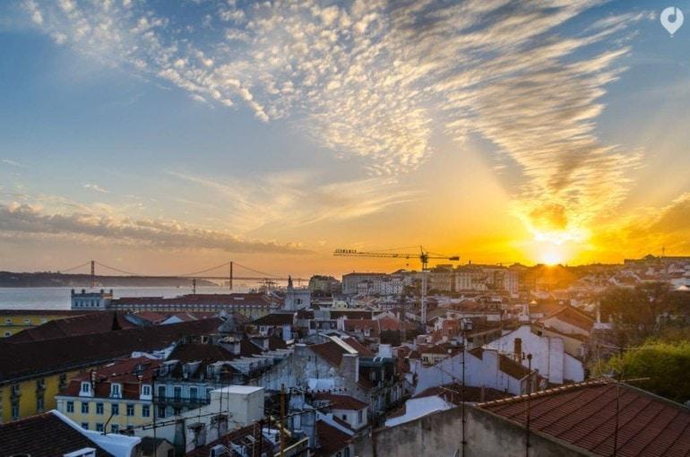 Lissabon - Sonnenuntergang über der Stadt