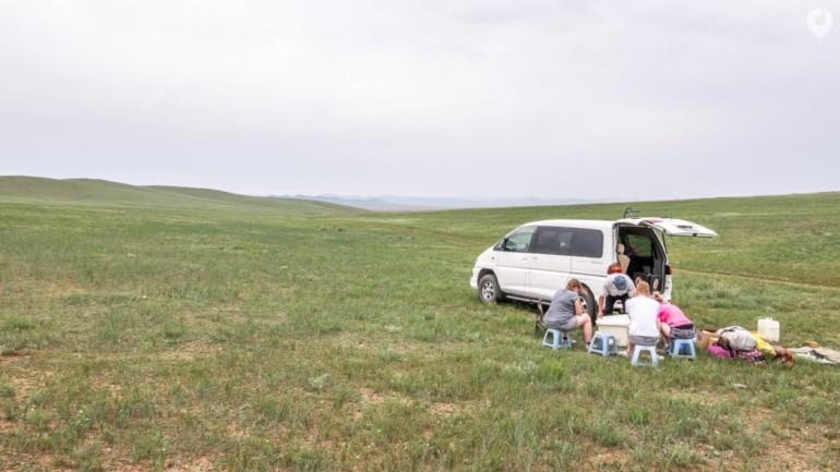 Mongolei: Mittagessen unterwegs