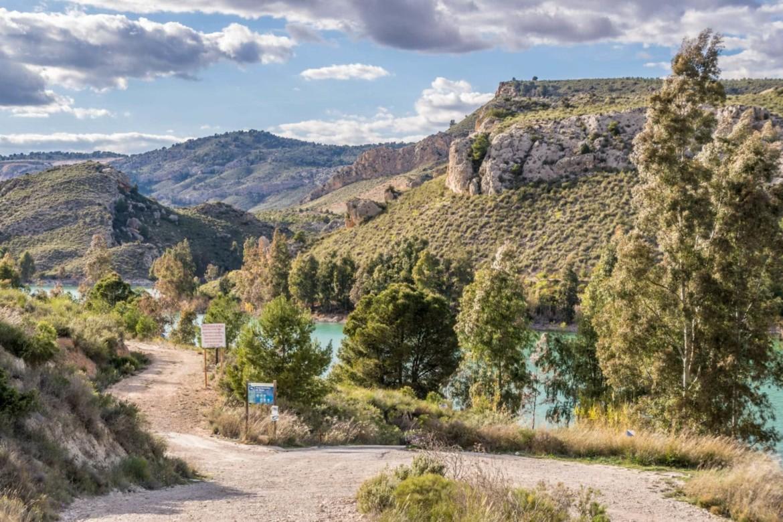 Wandern in Spanien: Stausee bei Mula