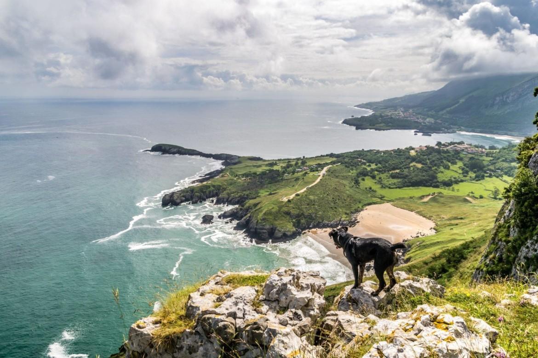Wandern bei Sonabia, Spanien