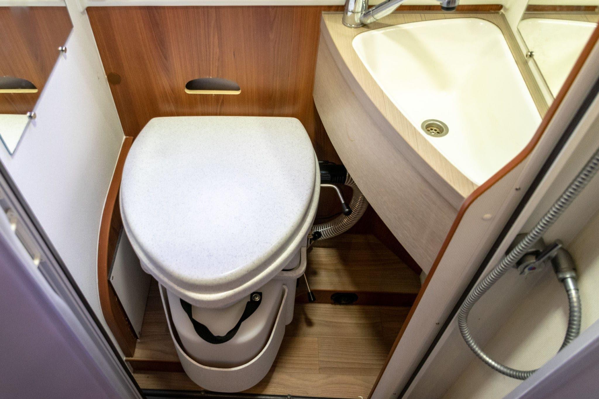80faf57021151 Krasser Scheiß – Einbau einer Komposttoilette ins Wohnmobil