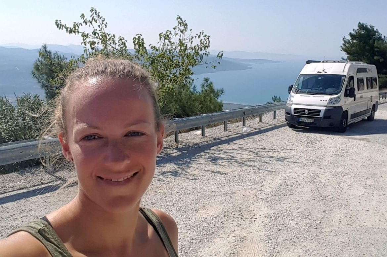 Alleinereisende Frau im Campervan: Lisa